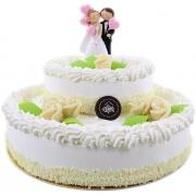 Stapeltaart met bruidspaar